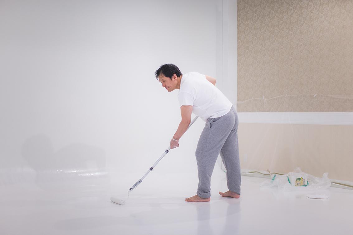 スタジオの床塗り